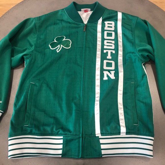 b87be88e5 Mitchell and Ness Boston Celtics Jacket L fits XL.  M_5bcfca0361974589676036ce